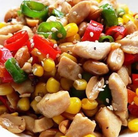 水果玉米美食——青椒炒玉米