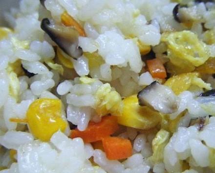 水果玉米美食——玉米蛋炒饭