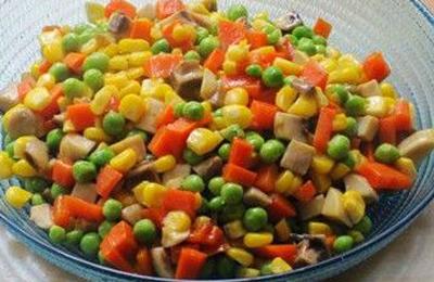 水果玉米美食——玉米蘑菇小炒