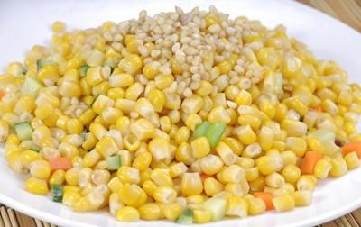 水果玉米美食——松仁玉米