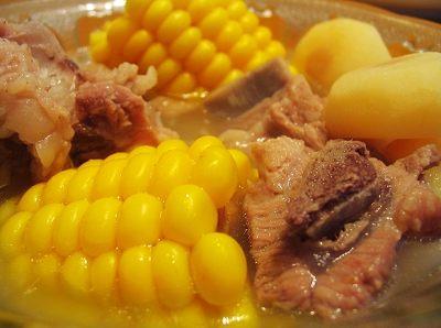 水果玉米美食——玉米炖排骨