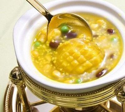 水果玉米美食——玉米蘑菇素汤